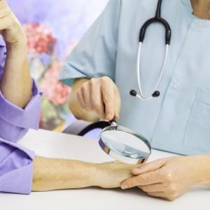 Лечение при псориазе: витамины и уколы