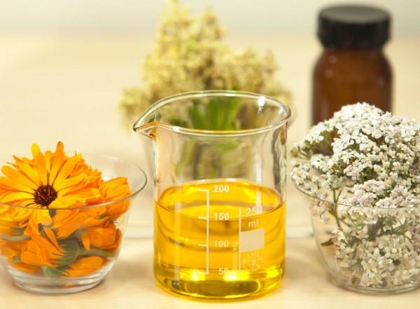 Как применять масла от кожных проблем?