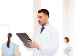 После проведения антипаразитарной терапии человек еще полгода состоит на диспансерном учете