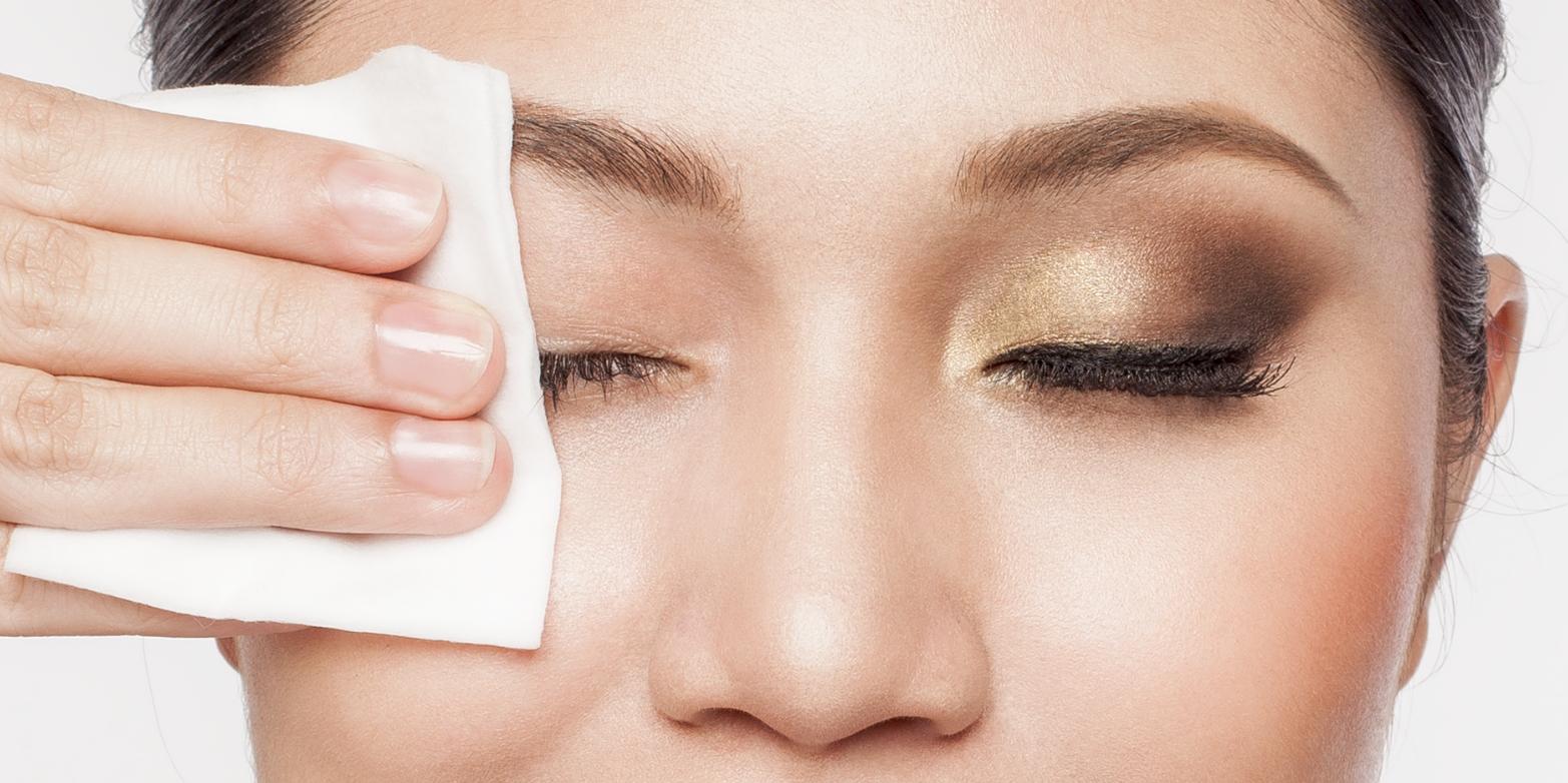 Влажные салфетки для лица: снятие макияжа