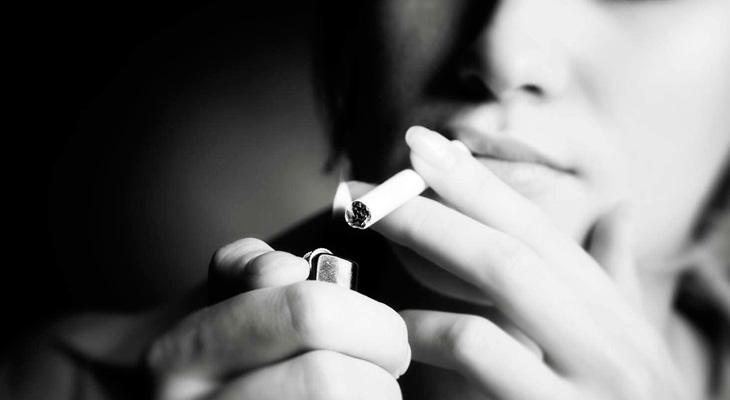 Подкурить сигарету