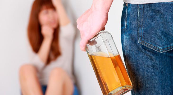 Пьющий проявляет агрессию