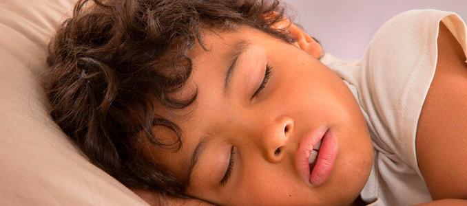 Определяем причины, почему человек храпит во сне и выбираем лечение