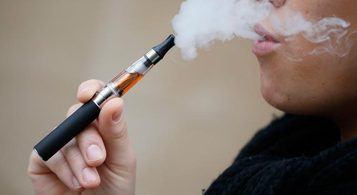 Парить сигарету