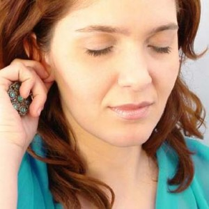 Шелушение в ушах: причины и лечение проблемы