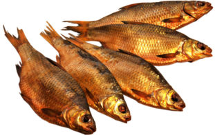 Любителям копченой рыбы лучше выбирать ту, что обработана горячим дымом. Этот способ копчения наиболее безопасен
