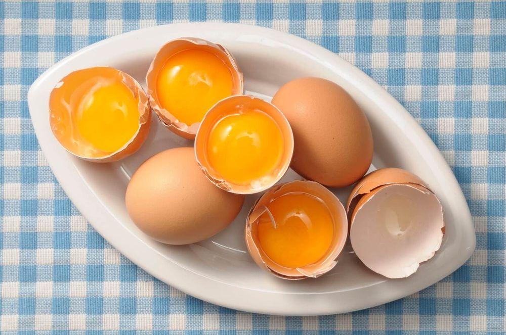 Как правильно использовать яйцо для лица